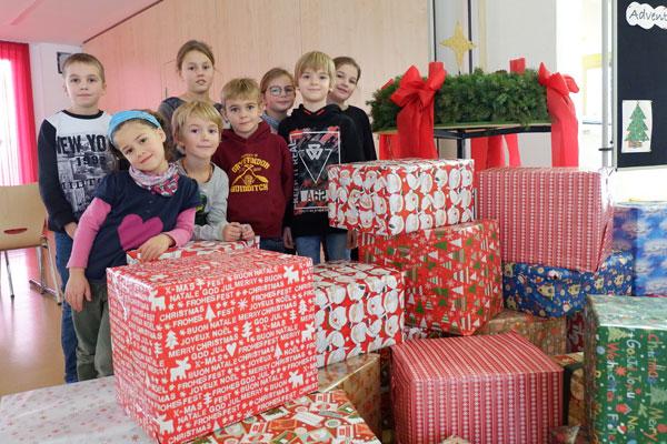 Mit den Johanniter-Weihnachtstruckern helfen